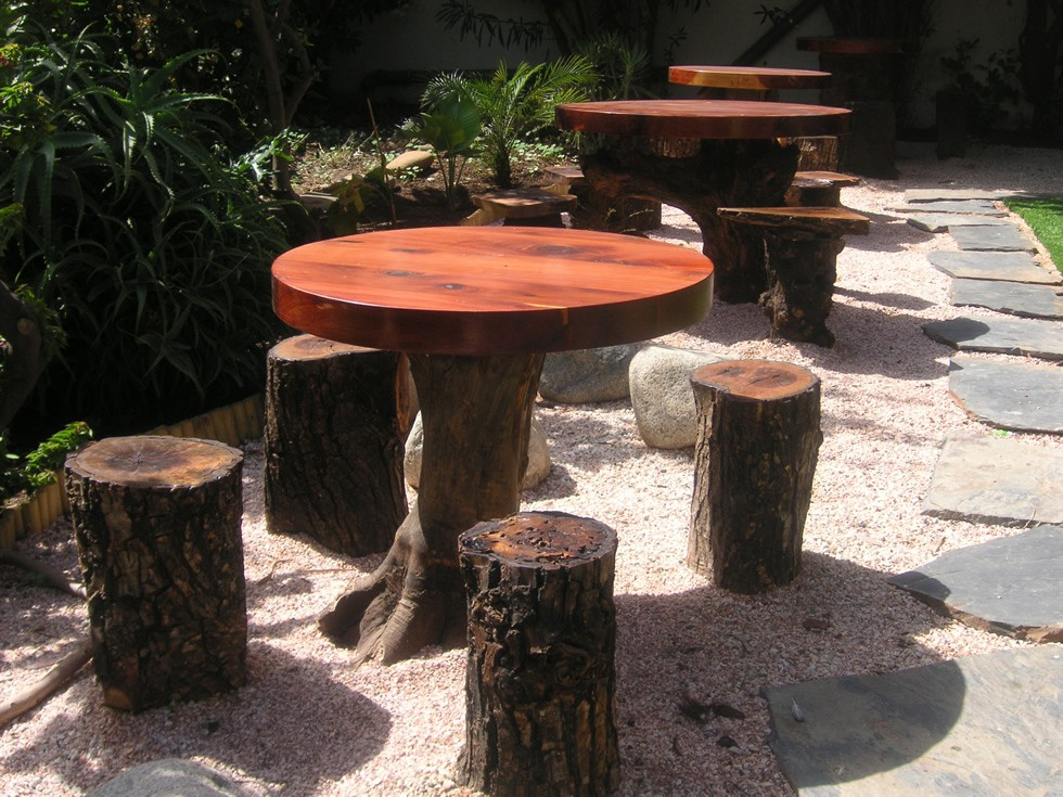 outdoor table and stools