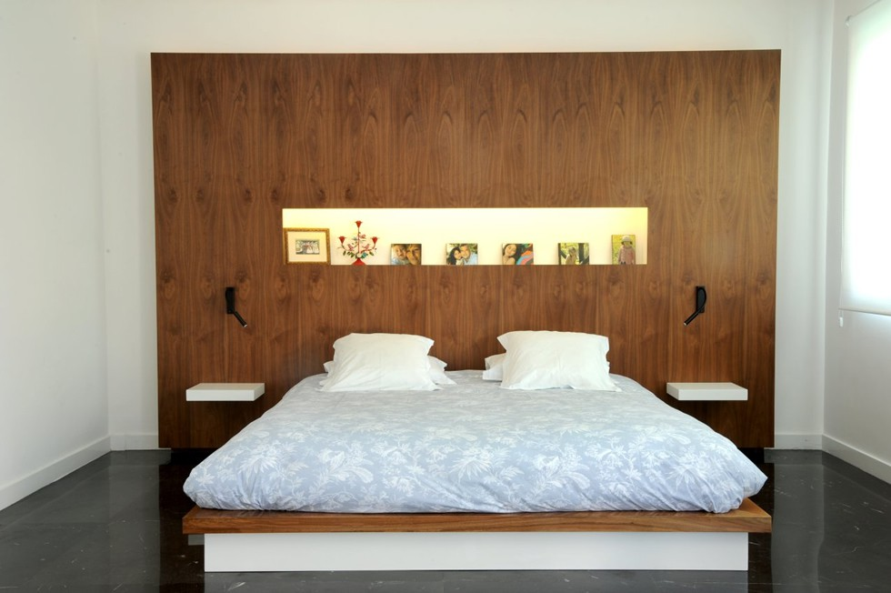 modern walnut bed